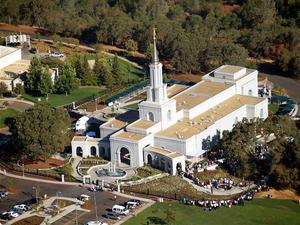 Sacramento California Temple - Image: Sacramento Open House