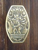 https://upload.wikimedia.org/wikipedia/commons/thumb/9/95/Saint_Christopher_doorknob2.JPG/160px-Saint_Christopher_doorknob2.JPG