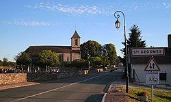 Saints-Geosmes Entrée du village Eglise.jpg