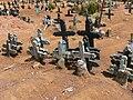 San Juan Chamula - Friedhof 9 Kreuze.jpg