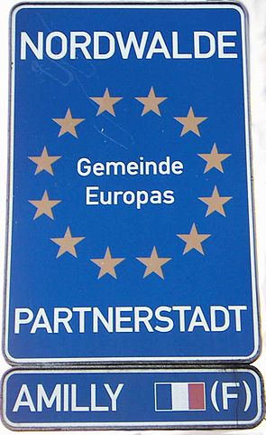 Schild Partnerstadt Amilly.JPG