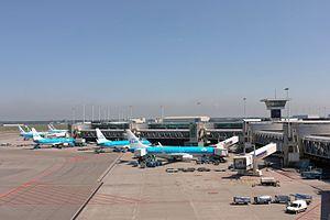 Schiphol Airport Pier D (7325964516)