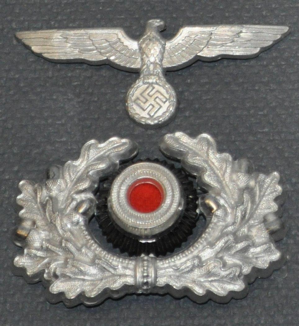 Schirmmutze cap badges