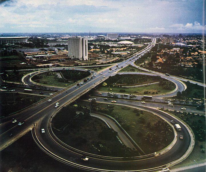 File:Semanggi roundabout, Sekilas Lintas Kepolisian Republik Indonesia, p38.jpg