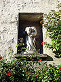Senlis - Statue de Sainte-Prothaise 01.jpg