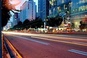 Seodaemun District - A street at night in Sinchon-dong