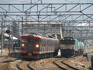 Shinano Railway Line - A 115 series train at Sakaki Station, March 2008