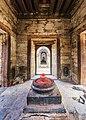 Shiva linga inside Pandra Shivalaya -Pashupatinath Temple-1887.jpg