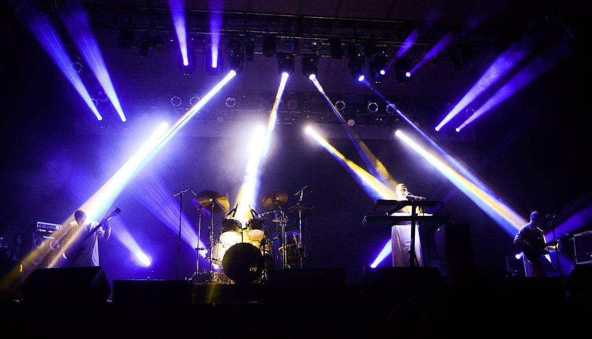 Argentina el baterista del grupo de rock arbol coge a una fan - 2 8