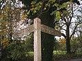 Signpost, Chettle - geograph.org.uk - 1040094.jpg