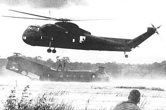 Sikorsky CH-37 Mojave - CH-37 Mojave attempting to lift a crashed Piasecki H-21