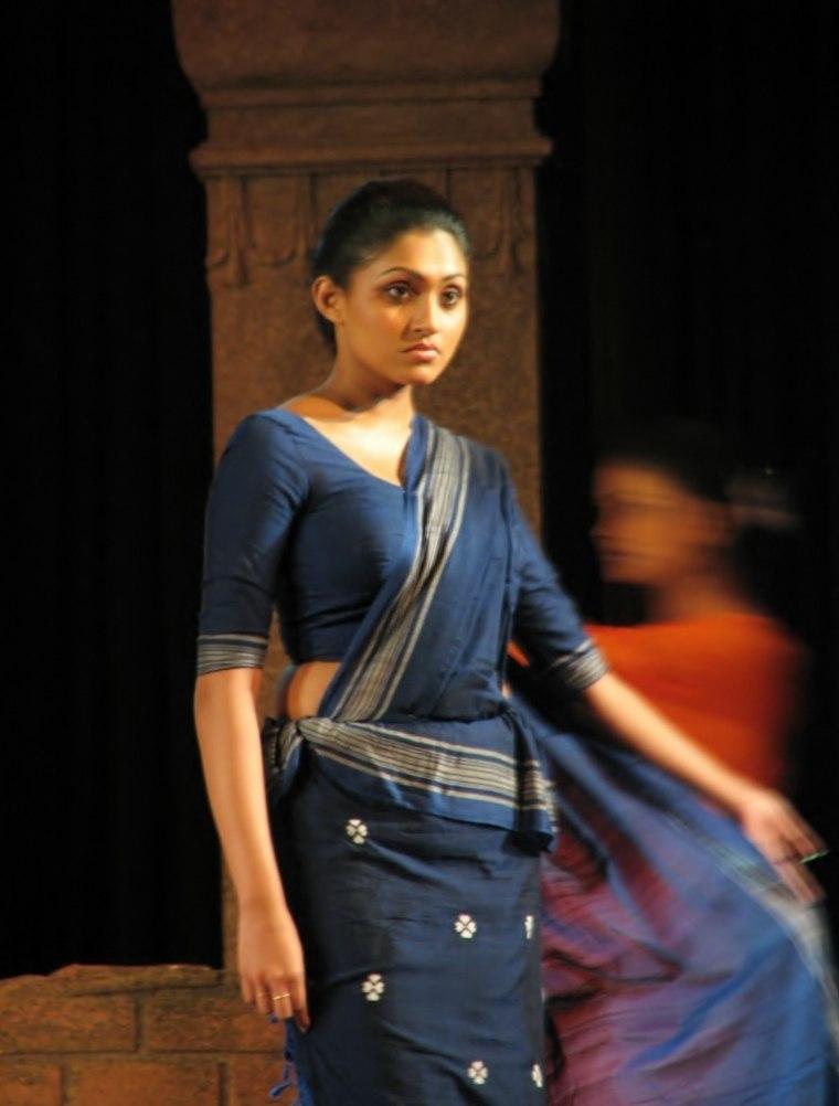 Sinhalese Girl Wearing A Traditional Kandyan Saree (Osaria)-1