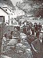 Slovenski begunci na cesti Tržič-Ljubelj.jpg