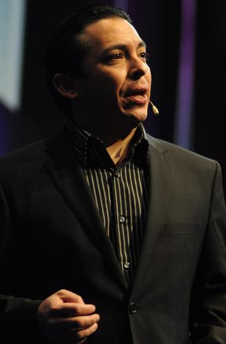 Brian Solis - Solis speaking in Geneva, 2011.