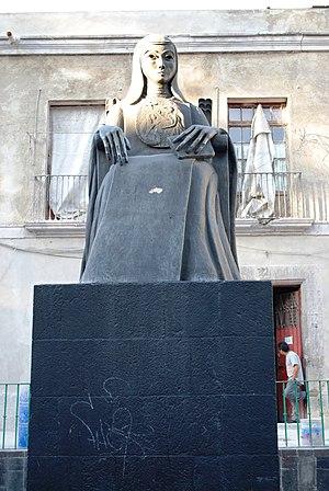 University of the Cloister of Sor Juana - Statue of Sor Juana at the university