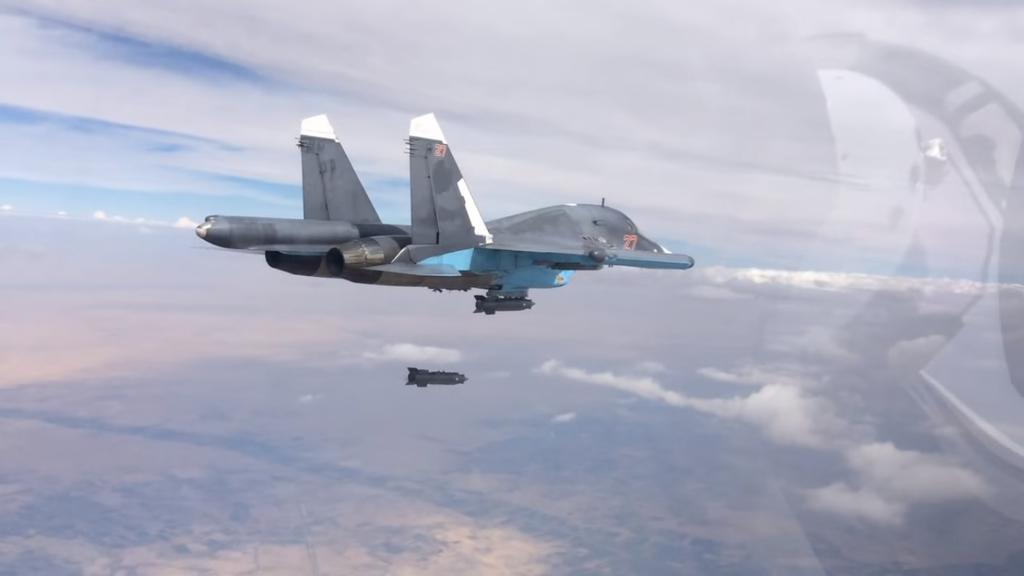 الإصلاح العسكري الروسي: البداية ومآلات النهاية 1024px-Soukho%C3%AF_frappant_une_position_ennemie_en_Syrie