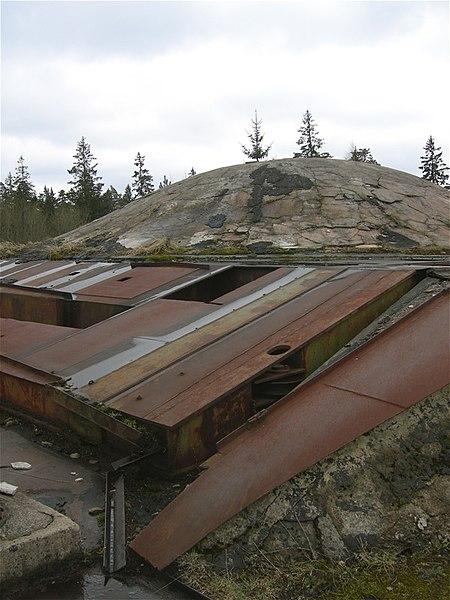 File:Soviet nuclear missile silo, Plokštinė (3947284279).jpg