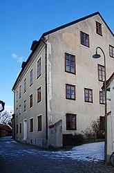 Fil:Specksrum 11 Goveniska huset Strandgatan 46 Visby Gotland.jpg