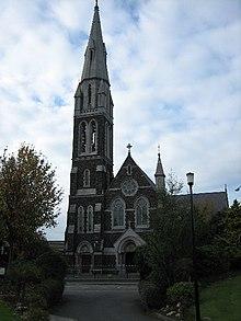 La preĝejo de St Peter, North St.