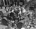 Staghound pantserwagen van de Pantserschool uit Amersfoort in West-Friesland wor, Bestanddeelnr 903-4253.jpg