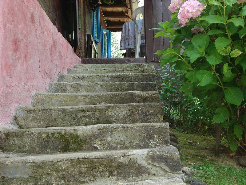 File:Stairs HR.JPG