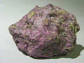 Geology of Tasmania - Stichtite from Tasmania