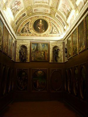 Cabinet (room) - The richly decorated Studiolo of Francesco I