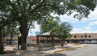 Taos Downtown Historic District - Image: Taos Plaza 5