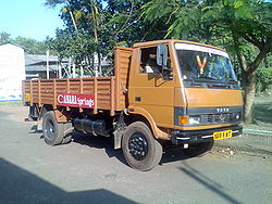 Tata 1109 low deck open load area truck