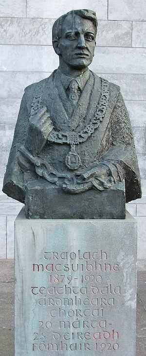 Terence MacSwiney - Bust of Terence MacSwiney in Cork City Hall