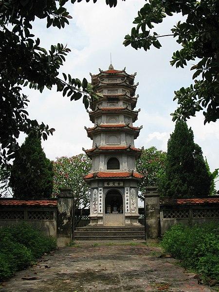 File:Thap mo Ly Khanh Van.jpg