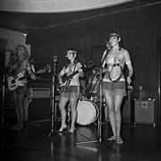 The Ladybirds opptrer i Bergen The Ladybirds performing in Bergen, Norway (1968) (15).jpg