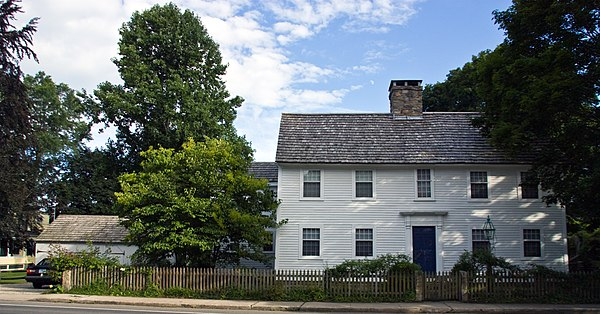 Buildings and structures in guilford connecticut for The guilford house