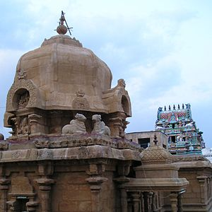 Vimana (architectural feature) - Image: Tiruvisanallur