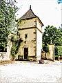 Tour-colombier du château d'Ouge.jpg