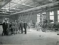 Travailleurs se trouvant dans la salle des machines de l'usine Price à Riverbend, Alma (Québec).jpg
