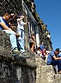TuristasTemploIVTikal2015.jpeg