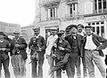 Types de joyeux ou apaches vers 1900.jpg