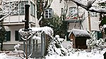 Valentinhaus Innenhof im Winter 02.jpg