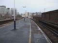 Vauxhall mainline stn platform 8 look east3.JPG