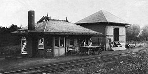 Verona (Erie Railroad station) - The Verona station as viewed in 1909, four years after the station from Caldwell was moved to Verona for use. The still-standing freight depot is present.