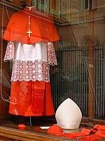 150px-Vetements_cardinal_Gamarelli.jpg