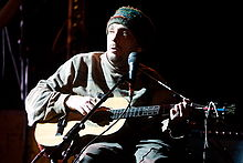 Vic Chesnutt performing in 2008