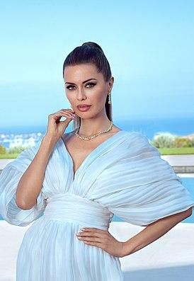 Victoria Bonya Cannes.jpg