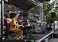 Violetta Parisini mit Band - Schwendermarkt Grätzlfest 2018 03.jpg