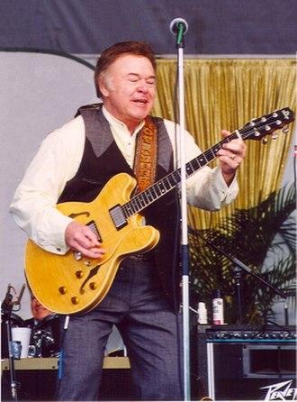 Heritage Guitars - Image: WIKI ROY CLARK
