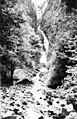 Wahkeena Falls CRH (22513101591).jpg