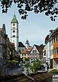 Wangen im Allgäu - Bindstraße mit Turm Sankt Martin.JPG