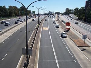 Warringah Freeway - View of the Warringah Freeway looking north, towards the Military Road overpass