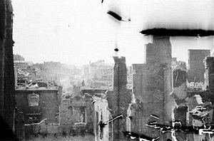 Miodowa Street (Warsaw) - Image: Warsaw Uprising by Chrzanowski Ruins 14640